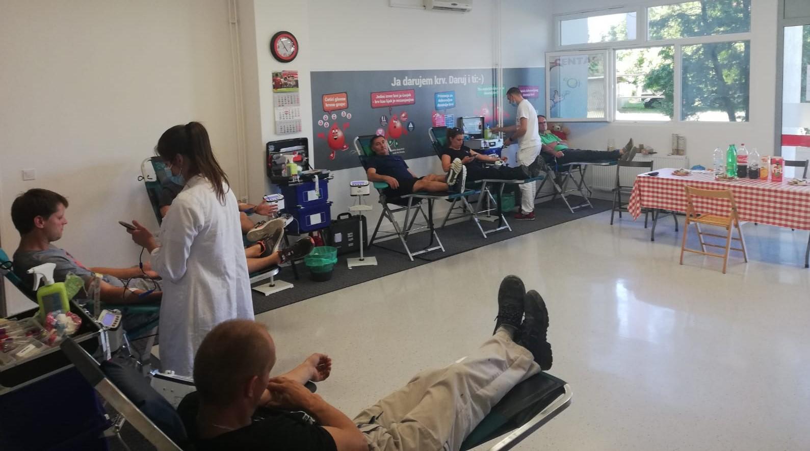 darujte krv