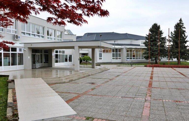 zgrada srednjih škola